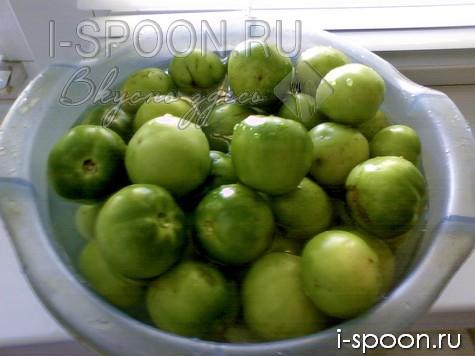 засолка зеленых помидор на зиму в банках
